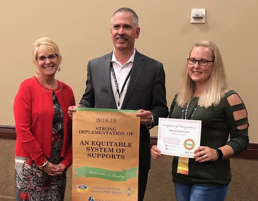 Mishicot High School awarded gold award in math and reading by WI RTI Center